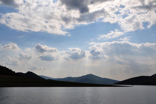 早餐后乘旅游车前往国家aaaa级风景区—松花湖风景区(赠送门票和游船