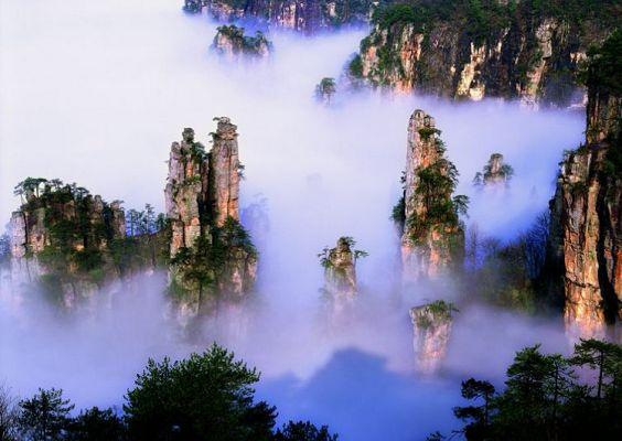Y线:长沙、韶山、张家界森林公园、天门山+玻璃栈道、张家界大峡谷、凤凰古城双飞五日游