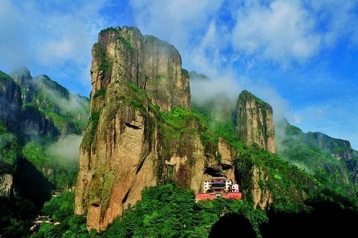 雁荡山三绝、小龙湫(玻璃栈道)、大龙湫、灵峰夜景经典品质二日游